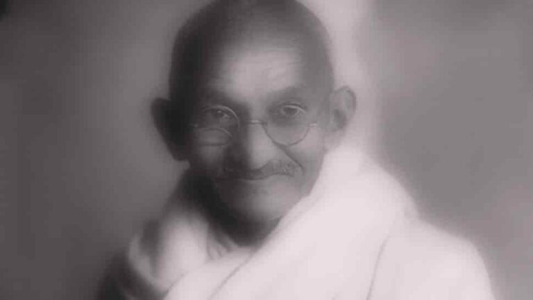 Gandhiji's Gold Plated Glasses Auction In London